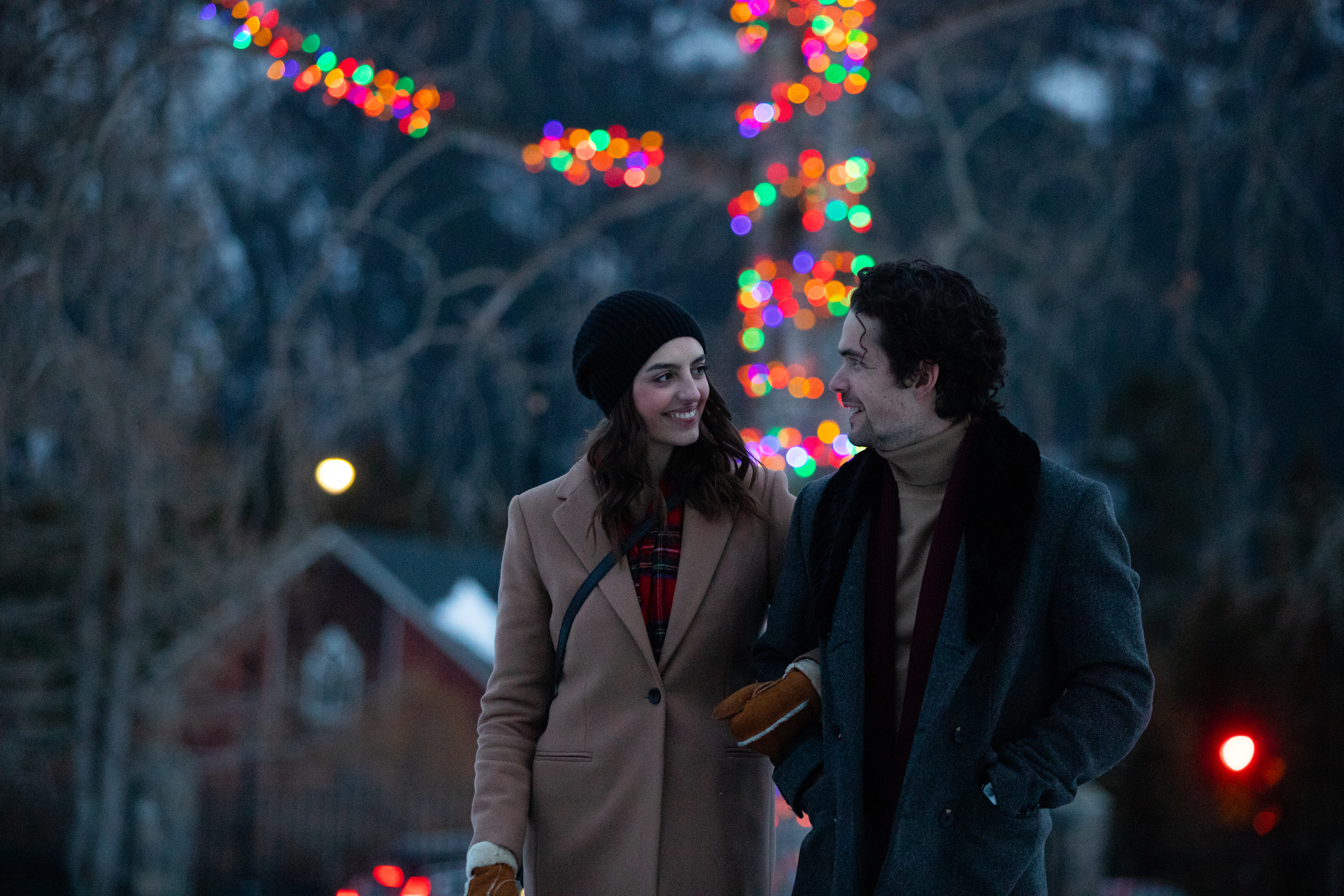 Couple at Cascade Gardens viewing Christmas Lights
