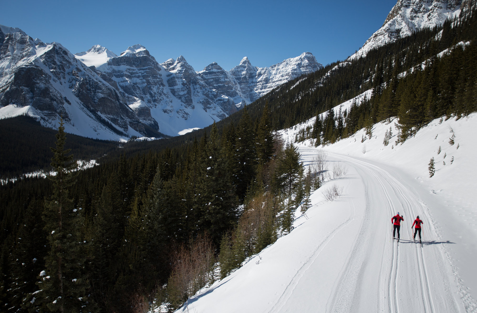 Cross country skiing in Banff National Park is a fantastic way to experience the beauty of winter in the Canadian Rocky Mountains